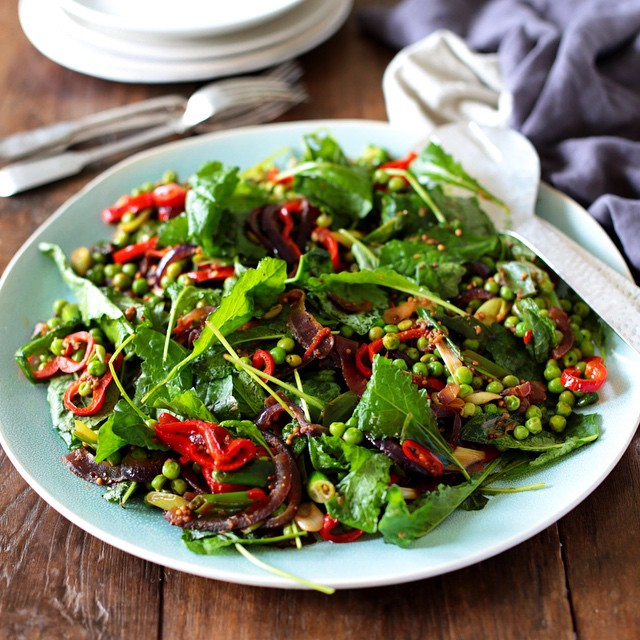 Green Pea and Baby Kale Salad with Sweet Red Peppers