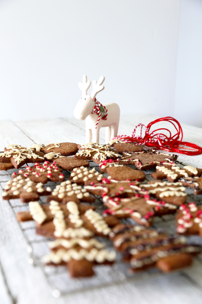 Christmas Spice Cookies with Whipped Cashew Cream