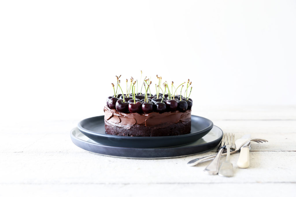 Raw Chocolate Brownie Mousse Cake