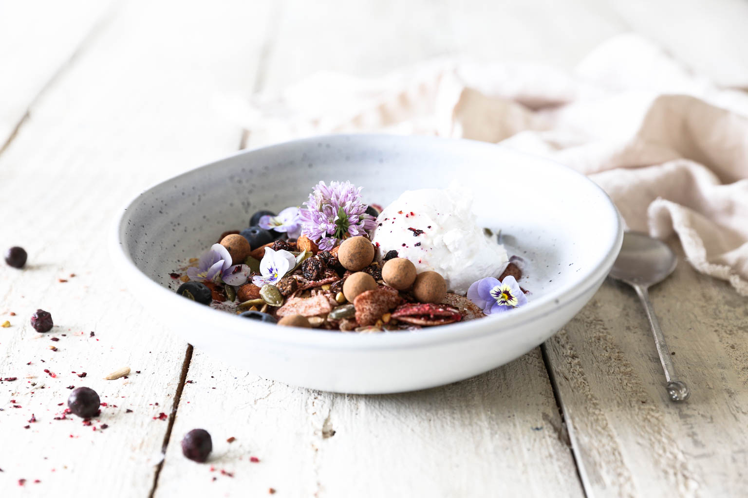 Blackcurrant and Cinnamon Buckwheat Granola (Raw Activated)