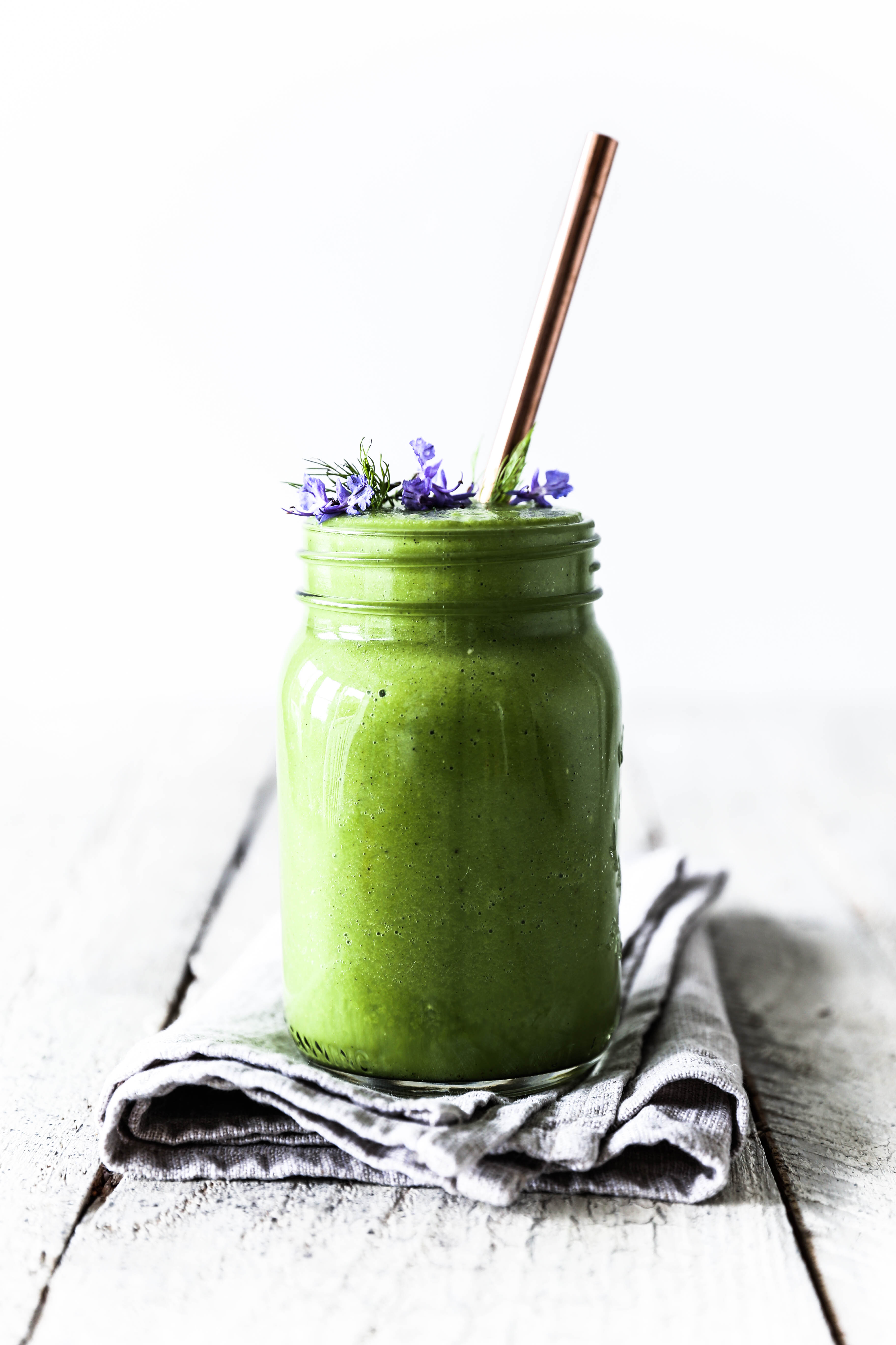 5 Reasons Why... You Need Green Smoothies In Your Life: Fennel & Cardamom Green Smoothie