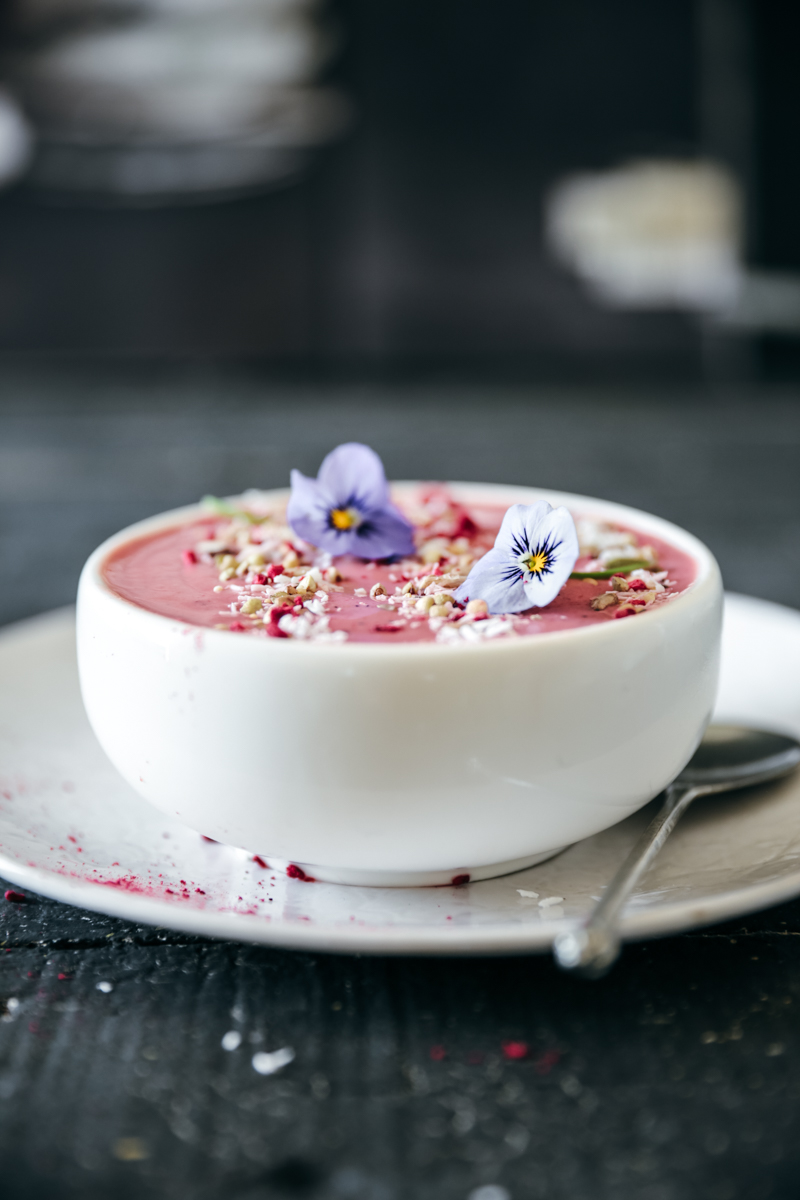 Passionfruit & Raspberry Smoothie Bowl