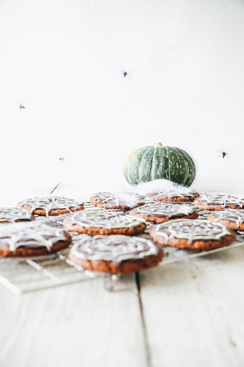 Trick Or Treat Halloween Spider Web Cookies